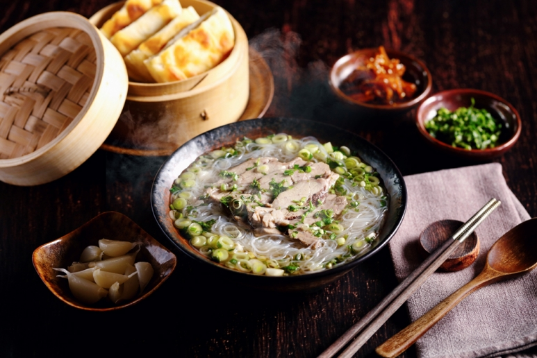 Country-Kitchen-乡味小厨_Double-Boiled-Xi'an-Mutton,-Glass-Noodles,-Pancake,-Pickles,-Coriander-西安水盆羊肉.jpg